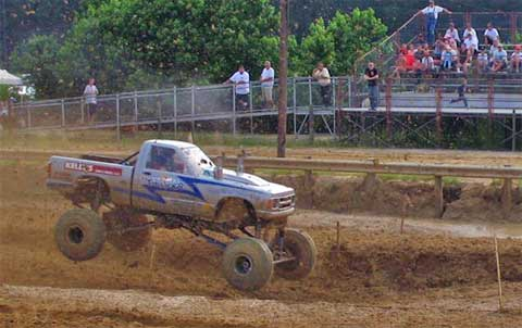 What is Mud Racing? (with pictures)